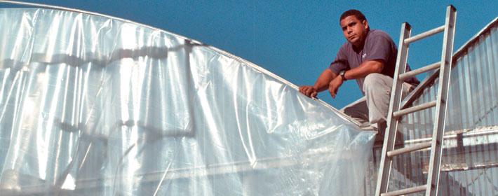 màng nhà lưới - nhà kính, Màng nilon nhà kính PE  plastic film khổ rộng 2,2m; 3,2m; 4.2m; 6.2m; 7m; 12m. Độ dày 150 micron và 200 micron. Độ dài 100m/cuộn là chủng loại màng nhà kính chất lượng cao nhập từ israel